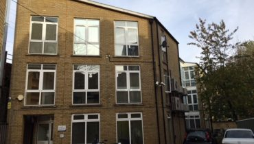 Modern B1 Office Building With Parking To Let