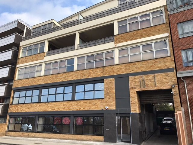 NEWLY REFURBISHED OFFICES WITH PARKING TO BE LET