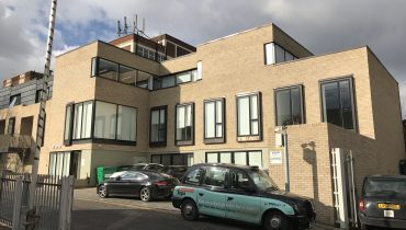 B1 OFFICE BUILDING WITH PARKING TO LET