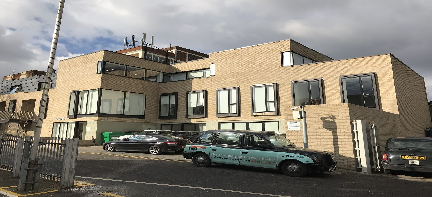 GROUND FLOOR OFFICES WITH PARKING – TO LET