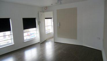 MODERN 2 DOUBLE BEDROOM, SPLIT LEVEL FLAT