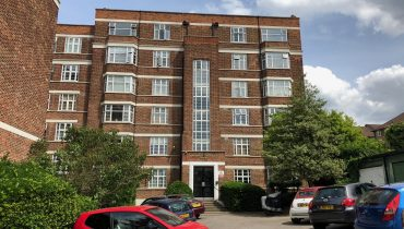 FLAT FOR SALE – Barrington Court, Muswell Hill, N10 1QG