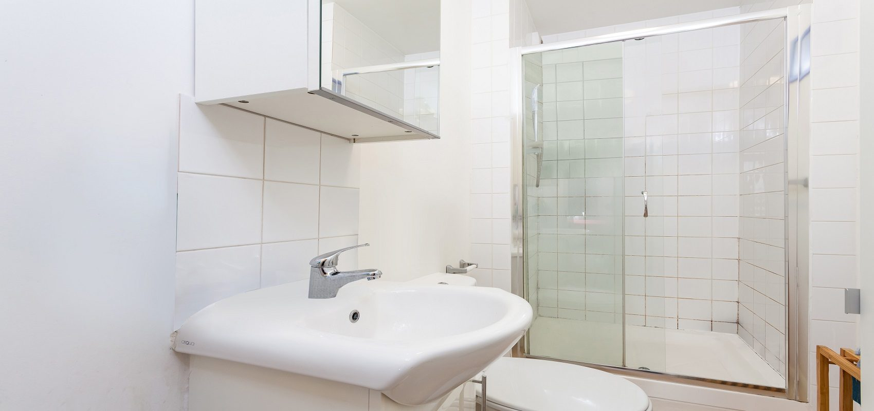 MODERN 1 BEDROOM FLAT – FOR RENT