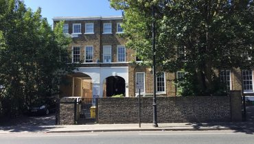 STUDIO/OFFICE PREMISES WITH PARKING TO LET IN TOTTENHAM – BENEFITS FROM D1 LICENCE
