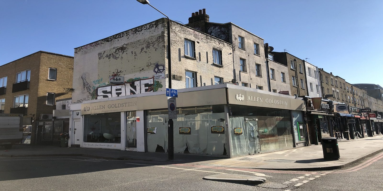 PRIME HIGH STREET LOCATION – CORNER RETAIL PREMISES TO LET IN CAMDEN