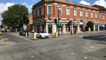 A1/A2 USE – PRIME LOCATION CORNER SHOP TO LET