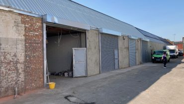 NEWLY REFURBISHED MODERN SINGLE STOREY FACTORY/WAREHOUSE WITH PARKING TO LET