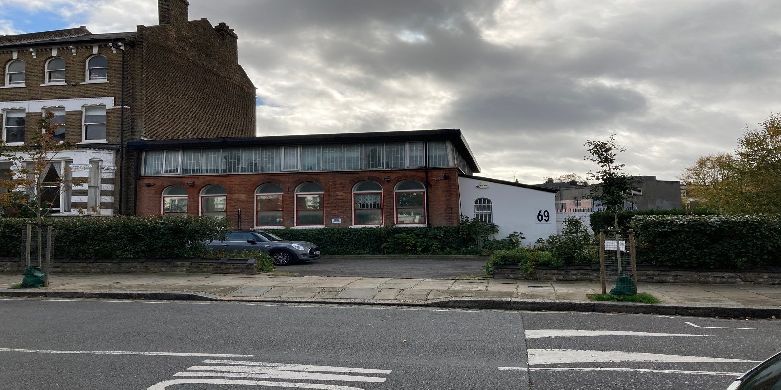 SELF-CONTAINED OFFICE BUILDING WITH PARKING TO BE LET IN KENTISH TOWN