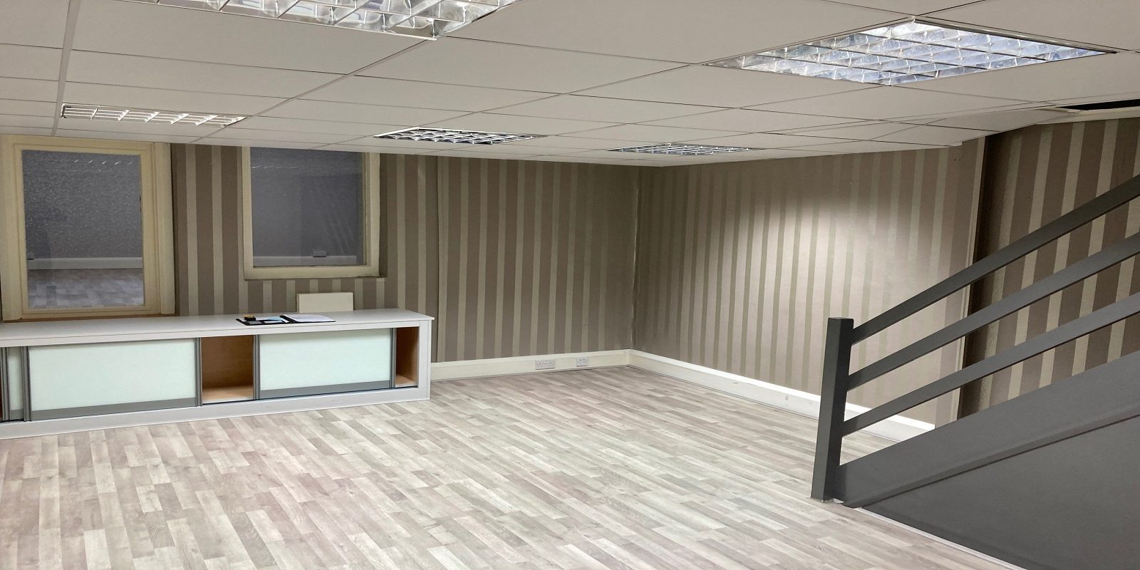 SELF-CONTAINED OFFICES TO LET NEAR EDGWARE ROAD