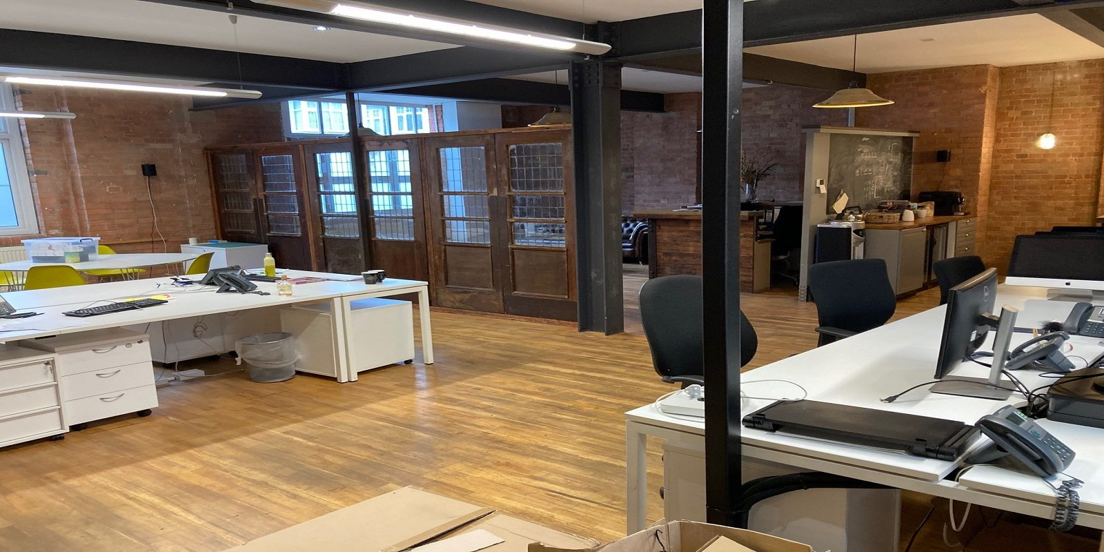 CHARACTER STUDIO / OFFICE BUILDING TO BE LET